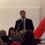 Méltató beszédet mond Debreczeni-Droppán Béla, az Országos Honismereti Szövetség elnöke, a rendezvény fővédnöke ()