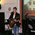 Baricz Gergő zenész, énekes ()