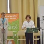 Herczegh Anita, a köztársasági elnök felesége és Gróh Ilona, a Ringató zenei program létrehozója ()